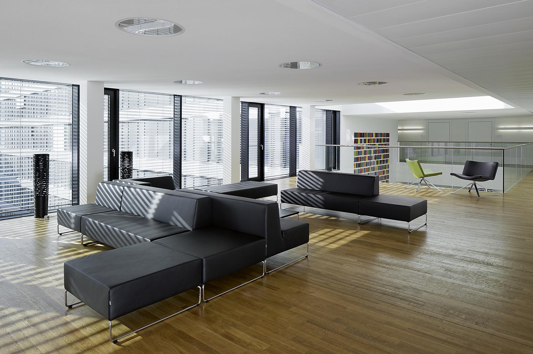 Serie-Lounge