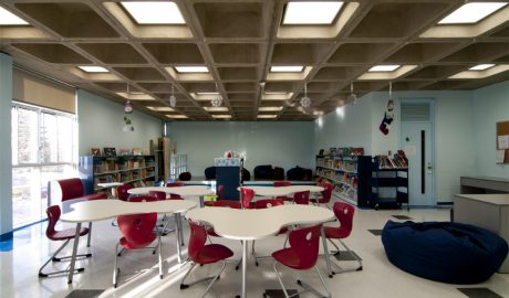 École Cardinal-Léger – Anjou, QC – Elementary School Library