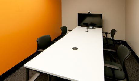 Thomson Reuters – Montreal – Telepresence Conference Room