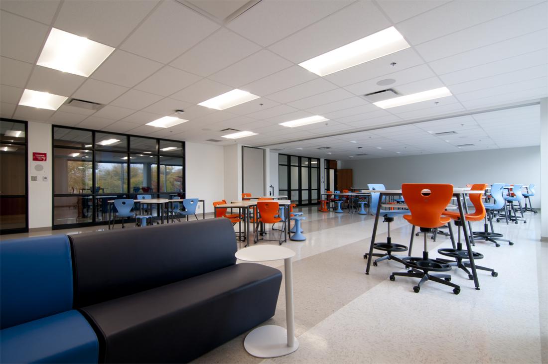 Collège Mont-Saint-Louis – L'apprentissage actifs dans une salle flexible